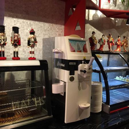 冰淇淋机3.0TT在烘焙店