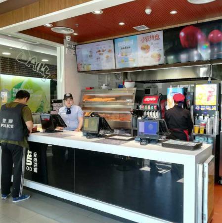 速溶饮料机、果汁机在快餐厅